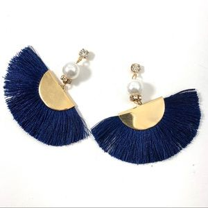 Jewelry - 💎 Blue tassle fringe earrings Goldtone (H)